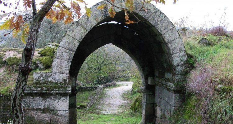 Castelo de Vila do Touro