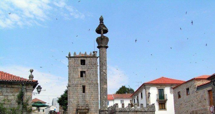 Conjunto monumental de Aguiar da Beira. Primavera. (LAC)