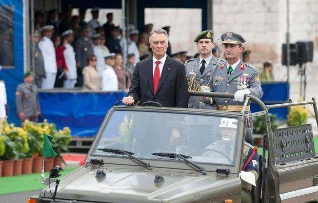 http://caras.sapo.pt/famosos/2012/06/10/cavaco-silva-preside-as-comemoracoes-do-10-de-junho